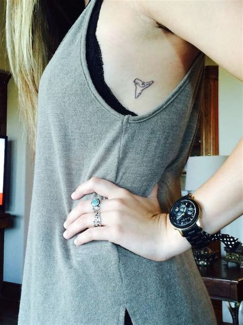 shark tooth tattoo small amp simple tattoos things to do