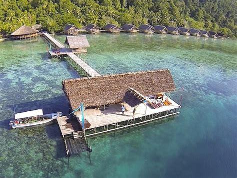 Paket Liburan Tour Bunaken Lembeh Bangka Scuba Diving papua explorers dive resort in raja at book here