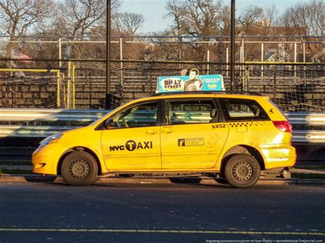 cars ny new york taxi cars vehicles