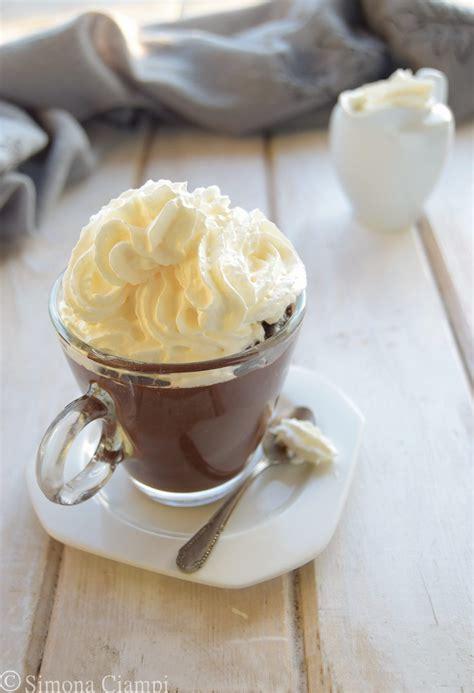 cioccolata in tazza fatta in casa cioccolata calda fatta in casa densa come al bar