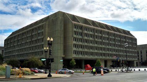 stunning communist architecture the brutalism of new brutalist architecture wikipedia