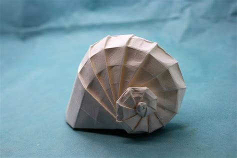 Origami Conch Shell - can t make it to the try folding these origami