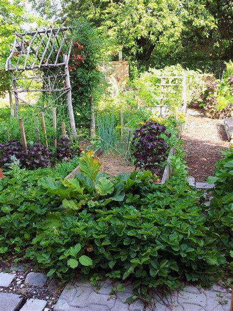 Potager Garden Design Ideas 17 Best Ideas About Potager Garden On Pinterest Backyard Garden Design Backyard Plan And
