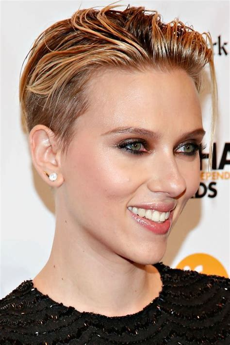 most memorable hair moments of 2014 scarlett johansson the 5 most awesome hair makeup and nail looks of the