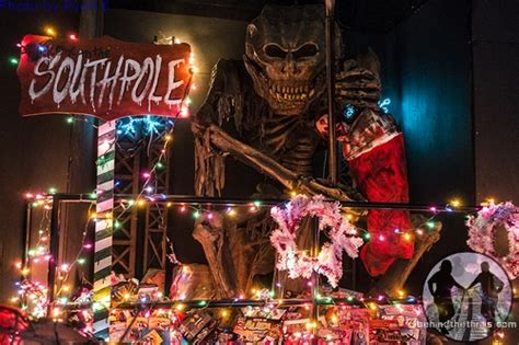 christmas haunted house behind the thrills christmas nightmare mayhem under the mistletoe at massacre