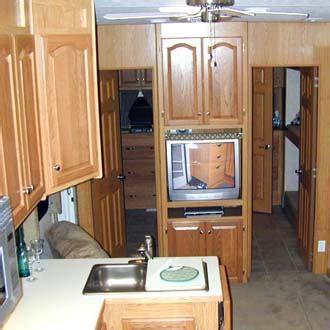 Titan Mobile Home Floor Plans 3 bedroom travel trailer floor plan