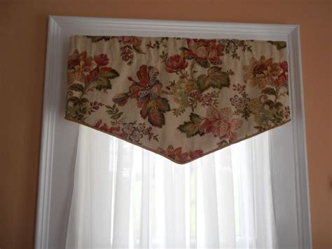 Make Your Own Cornice 1000 Images About Window Treatments On