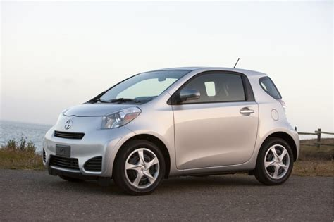 2012 scion iq pictures photos gallery green car reports