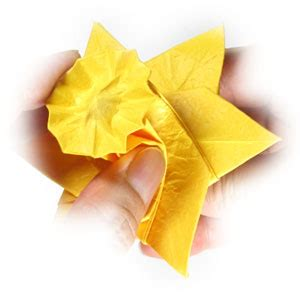 how to make an origami daffodil flower page 25