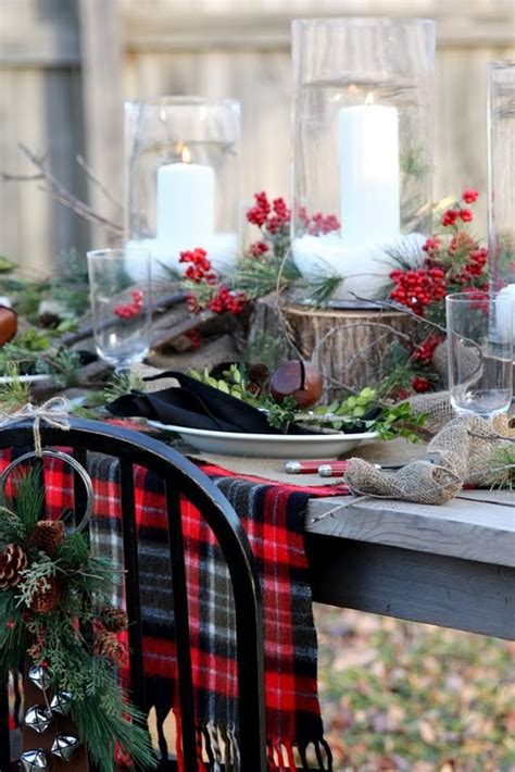 christmas table decorations 24 inspiring rustic christmas table settings digsdigs
