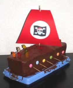 piraten kuchen piratengeburtstag kinderspiele welt de