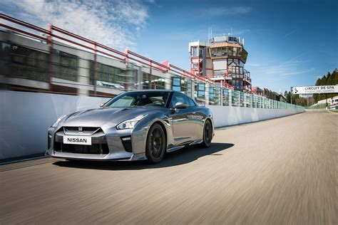 nissan gtr 2017 wallpaper 2017 nissan gt r detailed in new video and photos