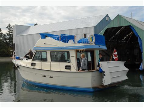 Very Affordable 30 ft. Campion 310 Adventure Trawler