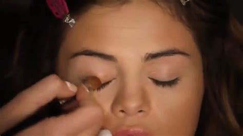 Selena Medium Outer selena gomez s makeup artist gives the official revival