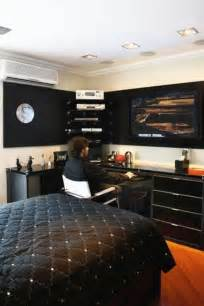Mens Bedroom Decorating Ideas by Young Men S Bedroom On Pinterest Young Mans Bedroom Men