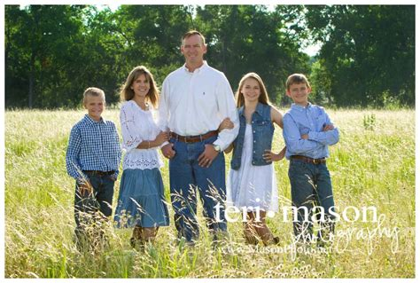 Outdoor Family Portraits by Image Gallery Outdoor Summer Family Portraits