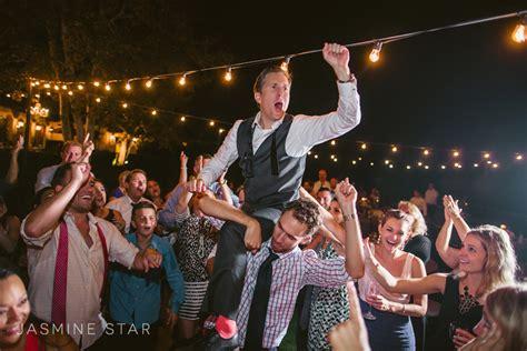 low light wedding photography how to shoot wedding photos in low light jasmine star