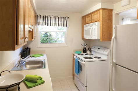1 bedroom apartments waltham ma gardencrest apartments waltham ma walk score