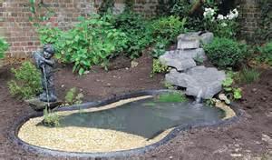pose d un bassin de jardin pr 233 form 233 bassin de jardin