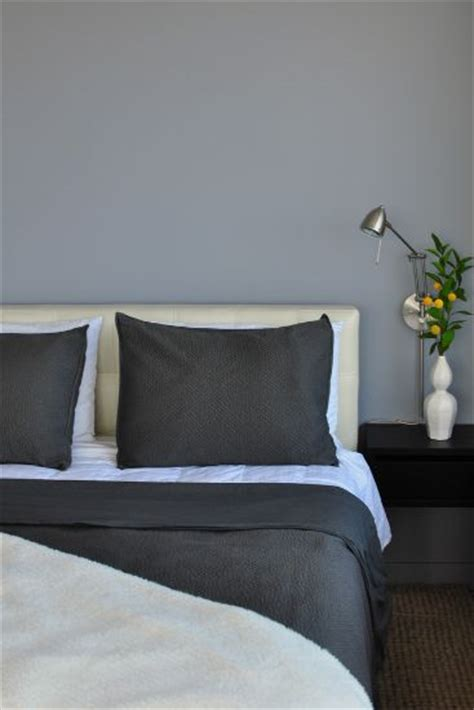 bedroom with grey walls how to decorate a bedroom with grey walls