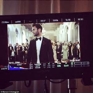 adam levine blasted in the face with sugar hollyscoop adam levine and maroon 5 play it safe in tuxes to film low