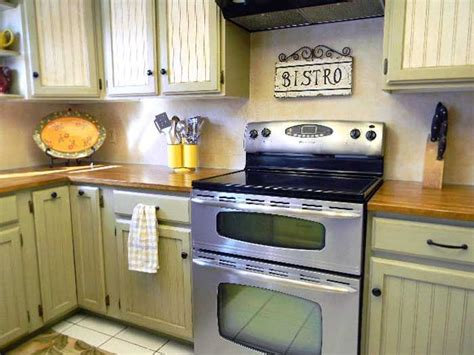 painting kitchen cabinets cream 28 best images about kitchen on pinterest retro kitchens