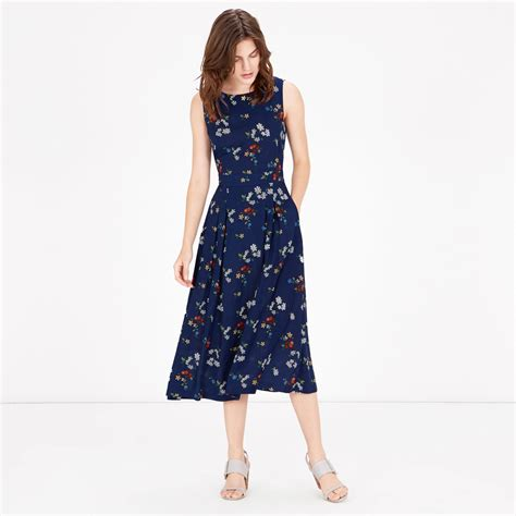 flower pattern midi dress spaced floral midi dress warehouse