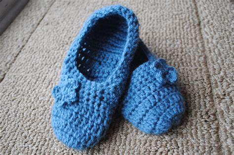 crocheted slipper patterns fitted slippers crochet pattern free for a limited time