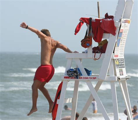 file lifeguard jumping into city june 27 2007 jpg wikimedia commons