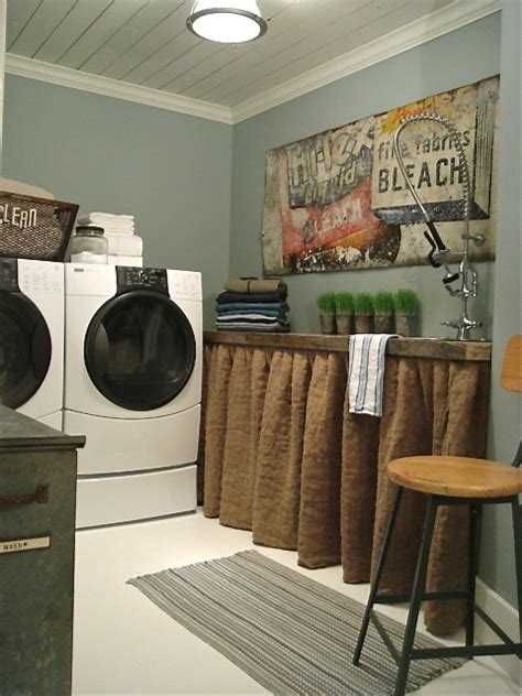 10 cozy laundry room decorating ideas shelterness