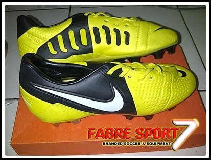 Sepatu Bola Nike Ctr360 Maestri Iii fabre sport sepatu bola nike ctr360 maestri iii replika