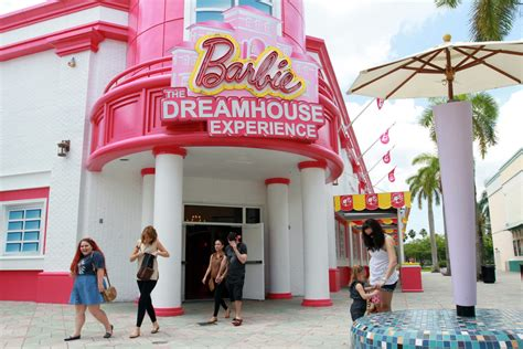 barbie dream house sawgrass life size barbie dreamhouse opens in florida toronto star