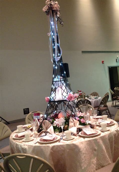 amazing christmas centerpiece paris inspired eiffel