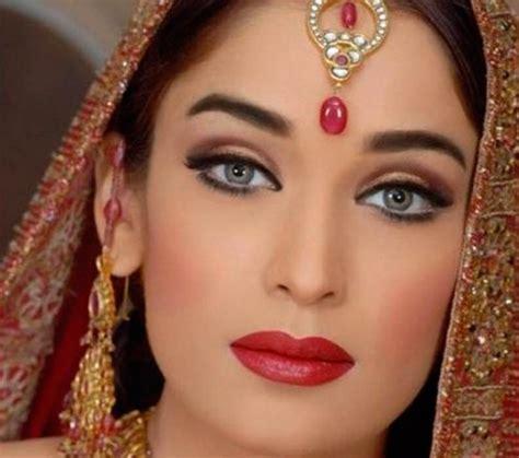 come portare a letto una donna sposata tutorial trucco da indiana per carnevale