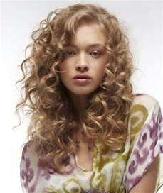 hairstyles that look flatter on sides of flatter your round shaped face with these 5 curly