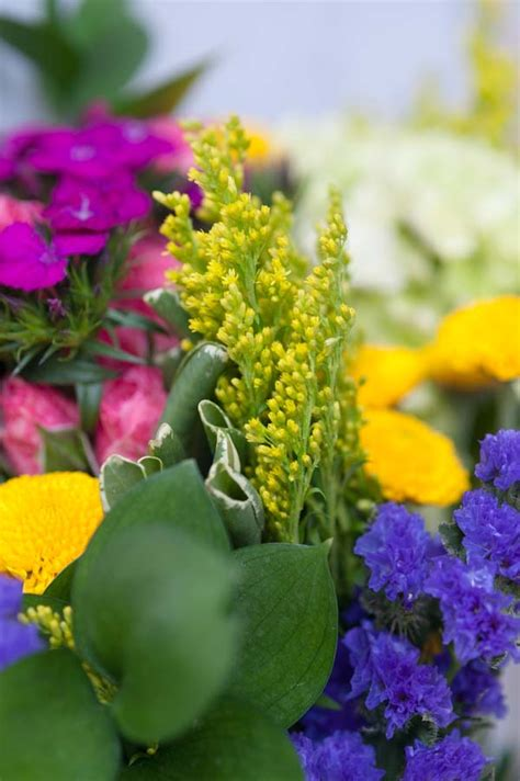 diy flower food to keep your flowers fresh hymns and verses tips tricks how to keep flowers fresh the sweetest