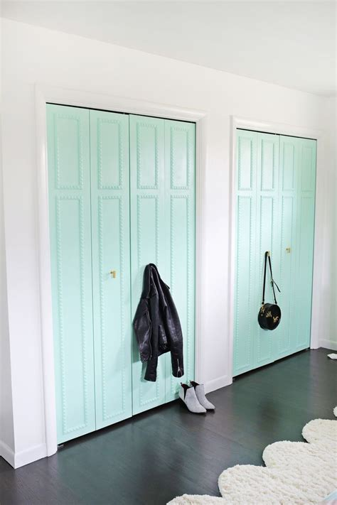 Bedroom Closet Doors Best 25 Closet Door Makeover Ideas On Pinterest Closet Doors Painted Bedroom Cupboard Doors