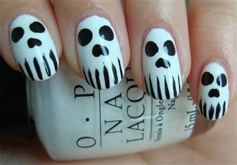 halloween nail art tutorial skulls nail art tutorial skull nails swatch and learn