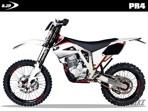 2015 motocross bikes dirt bike magazine 2015 youth entry level bikes