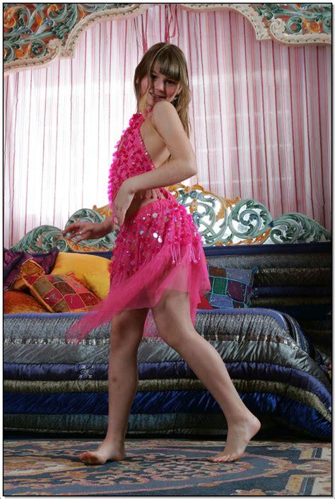 lane model lane model tv pinkskirt 023 modelblog