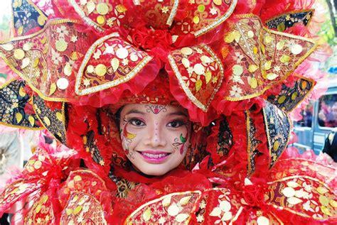 batik carnival dan batik pun merdeka berita