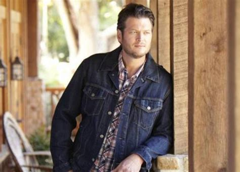 blake shelton kinnick stadium concert music sports never far afield for back porch revival