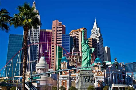 las vegas trends report 2015 what s new in the new year pursuitist driving the las vegas 2015 hd gopro