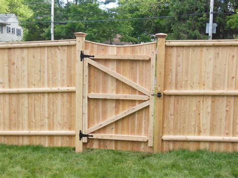 Privacy Fence Plans by Comely Wood Fence Iron Gate For Wood Gate Pool Project