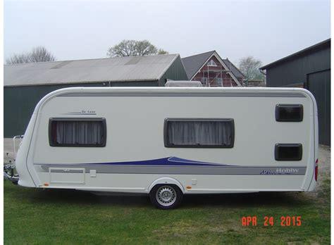 Raumteiler 5 Fach by Hobby De Luxe 560 Kmfe Als Pickup Camper Bei Caraworld De