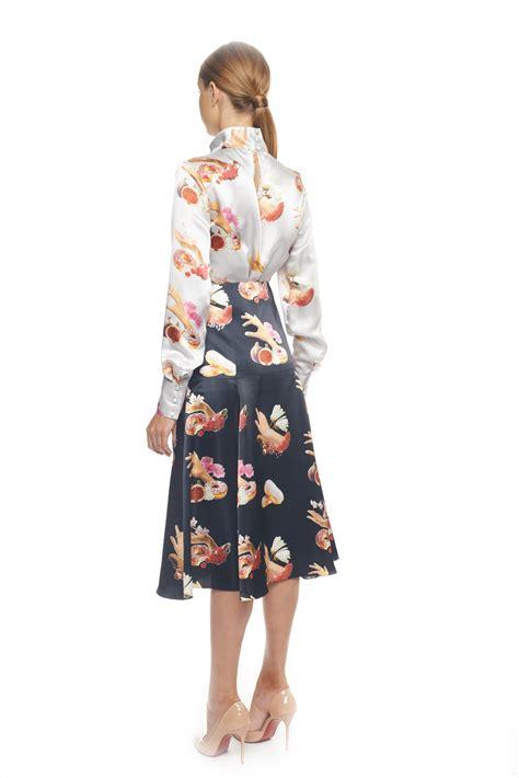 printed silk midi skirt flow the label theodivo