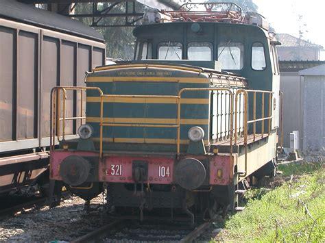 locomotiva testo file locomotiva da manovra e 321 104 jpg