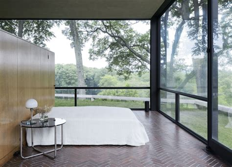 philip johnson glass house interior 14 lessons in minimalism from the glass house remodelista