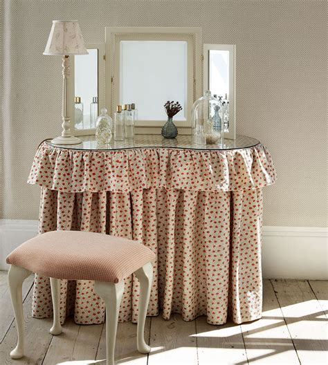 how to dress a table dressing table skirts soft furnishings 187 covers for