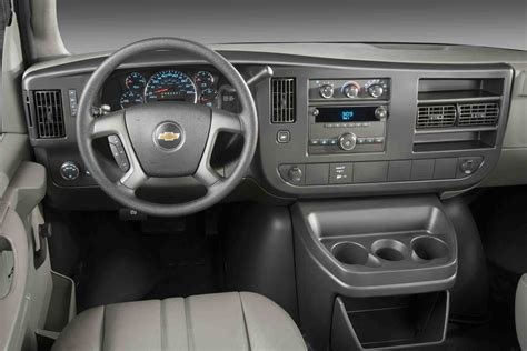 Chevy Express Interior by 2009 Chevrolet Express Cargo Pictures Cargurus